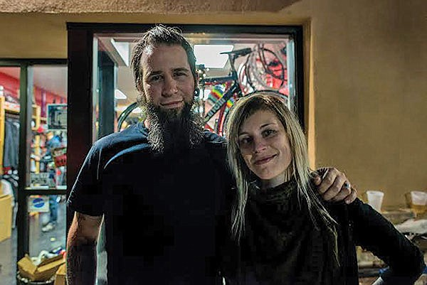 Bostonians Dave Scrod and Angie Beaulieu moved across the country to join San Diego's fixie family.