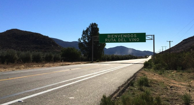 ¡Bienvenidos! The road from Tecate to the Guadalupe Valley is well paved, with helpful signs.