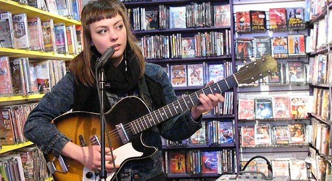 Soda Bar sets up electro-folk singer/player Angel Olsen Saturday night.
