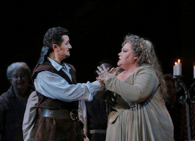 Tenor Piotr Beczala (Gustav III) and mezzo-soprano Stephanie Blythe (Madame Arvidson) in San Diego Opera's A Masked Ball. March, 2014. - Image by Ken Howard