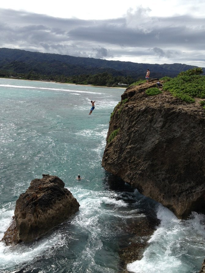 "Cliff-jumping off spot in Oahu where Mila Kunis & Jason Segal leaped in ""Sarah Marshall"" movie."