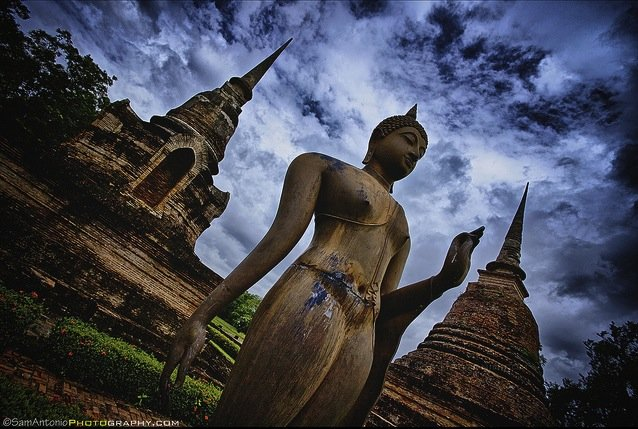 Wat Sra Sri - Sukhothai, Thailand. Sukhothai was the first capital of Siam founded by King Ramkhamhaeng during the 13th Century. The province's temples and monuments have been restored and is now the Sukhothai Historical Park and has been designated a UNESCO World Heritage Site. © www.SamAntonio.com