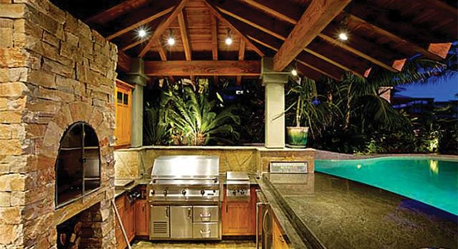 """Wood-fired pizza next to """"San Diego's Pool of the Year""""? Why not?!"""