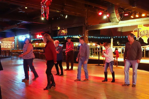 Learning how to two-step at Billy Bob's.