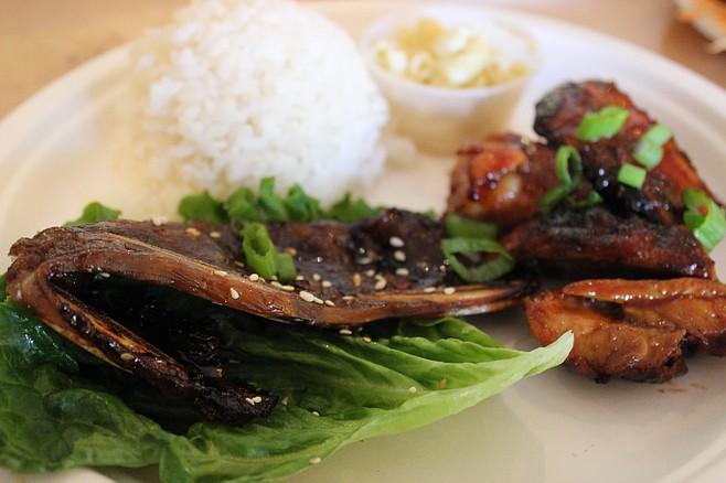 Kalbi Ribs - sweet and tangy Hawaiian style Korean short ribs.