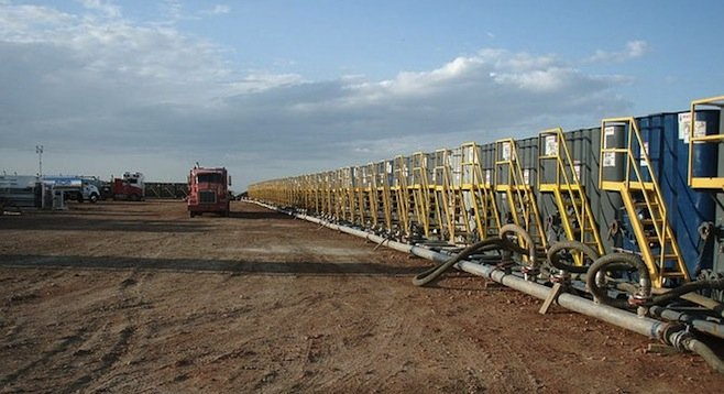 Water tanks being prepared for use in a fracking operation - Image by Joshua Doubek/Wikimedia