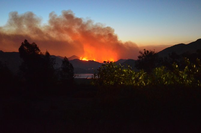 Cocos Fire (San Marcos) burning in the hills above Lake Hodges, May 14th, 2014.  Shot from Rancho Bernardo.