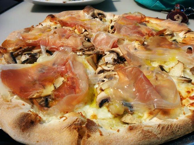 """""""Meyer Lansky"""" pizza"""