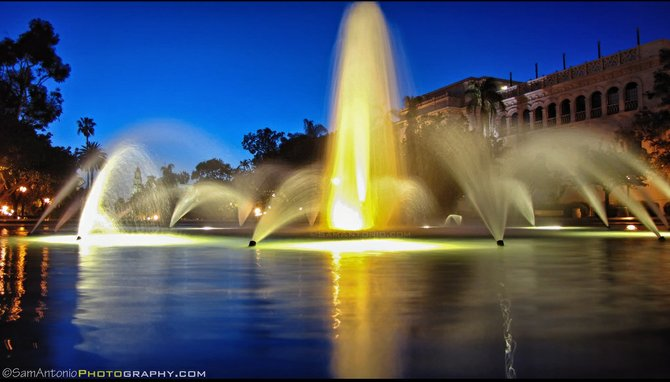 Neighborhood: Balboa Park. Bea Evenson Fountain at night. © www.SamAntonio.com