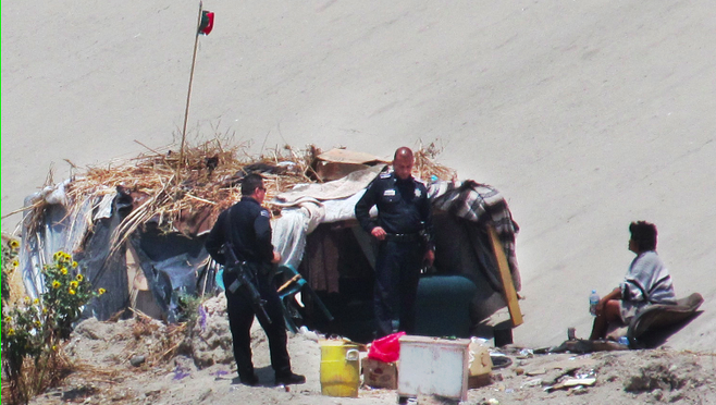 Tijuana policeman and resident of El Bordo