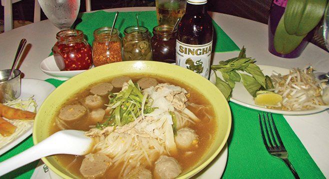 Kuai-tiao, which looks like Vietnamese pho, is Thailand's most popular and ancient noodle street dish.