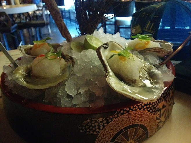 Shave ice oysters, unpleasant to eat