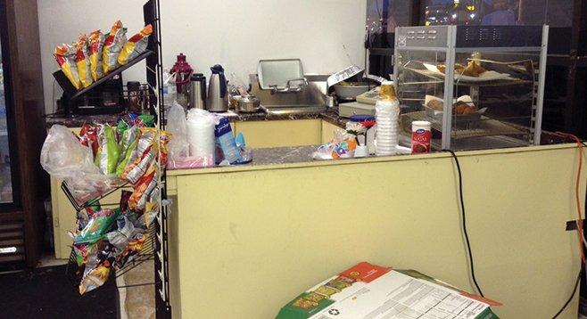Saadia's kitchen closes down for prayer.