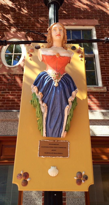 Witch statue in Salem.