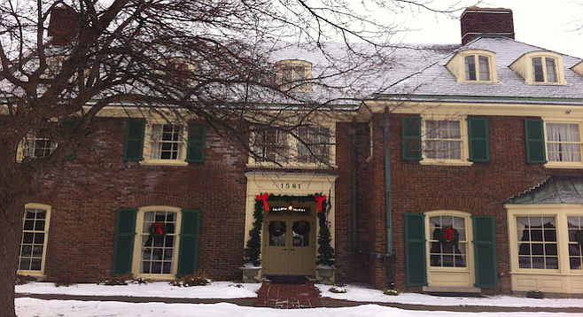 Saginaw's stately Montague Inn decked out for the holidays.