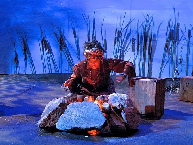 Yolanda Franklin as Annabelle, The Sugar Witch