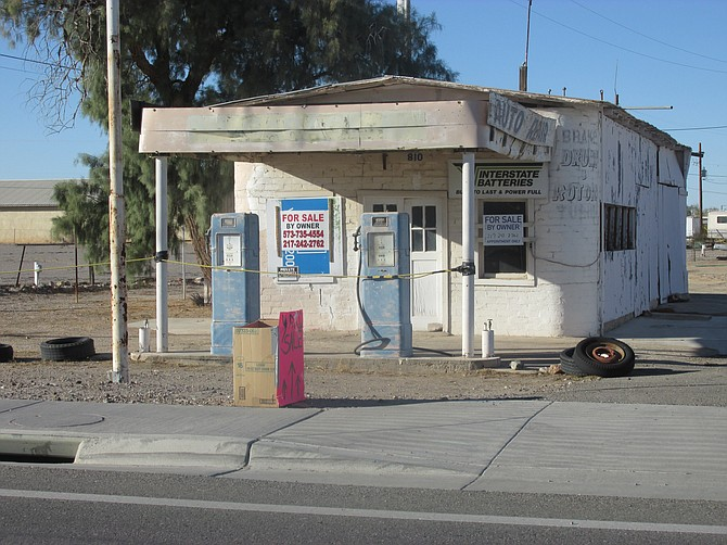 An old out of biz station I just found on Main St. in Quartszite, AZ. The pumps are secure, so can't be stolen.