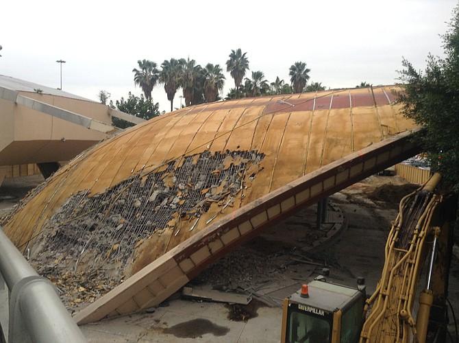Demolition of La Concha