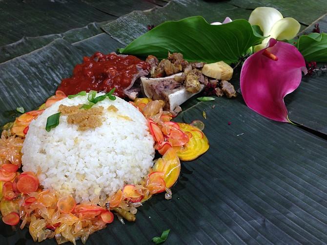 An Ilonggo feast, served on banana leaves. Salo Project.