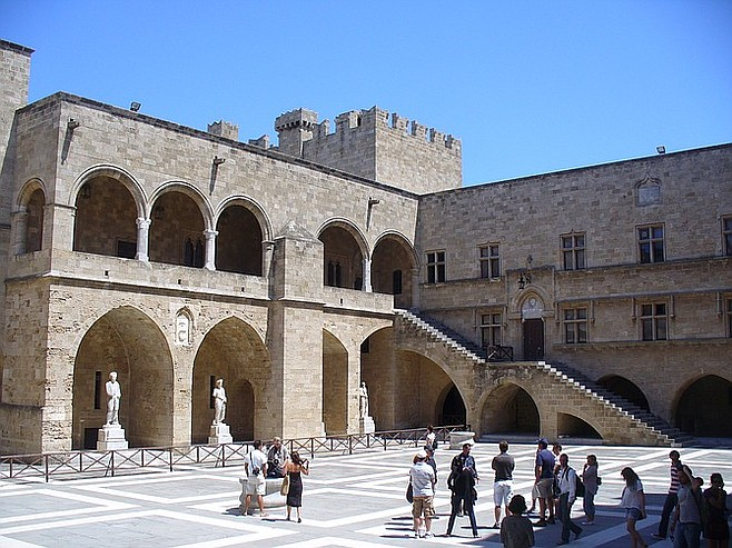 Palace of the Grand Master courtyard.