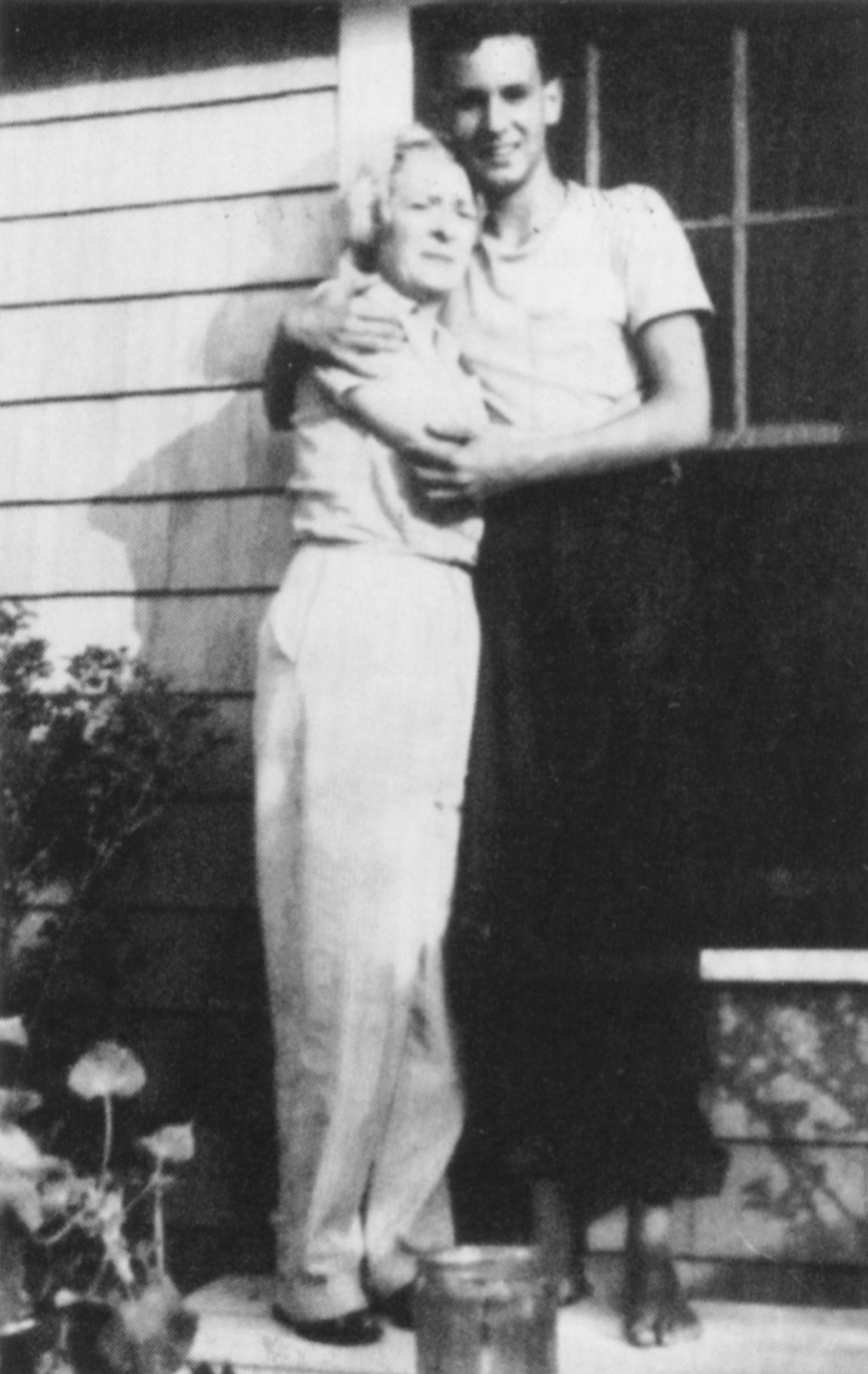 """Janet and Bill, c. 1940. """"I wanted to be Miss Henry James,"""" Janet once said about herself."""