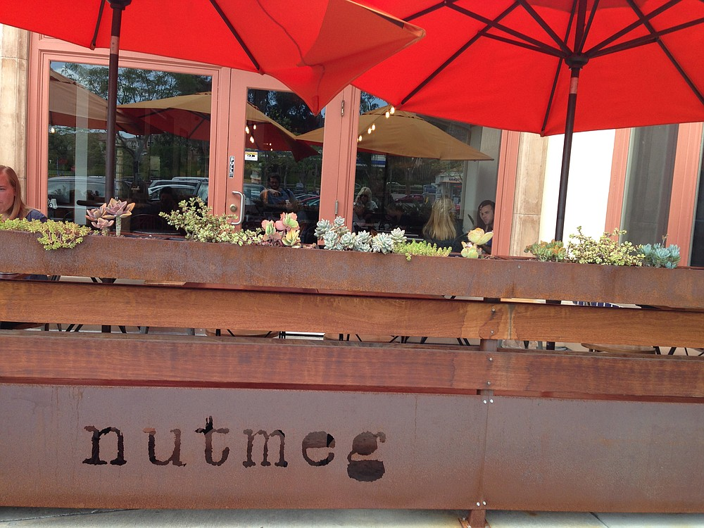The pleasant shopping center patio at Nutmeg