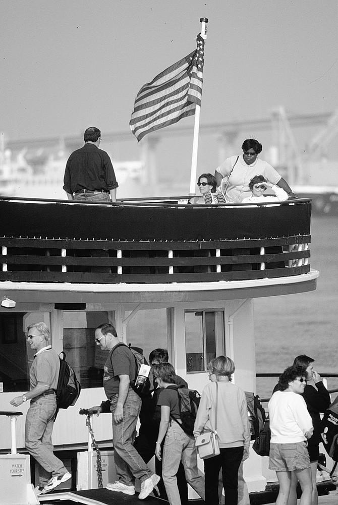 Coronado ferry - Image by Sandy Huffaker, Jr.