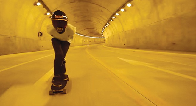 Downhill tunnel skating in Playas