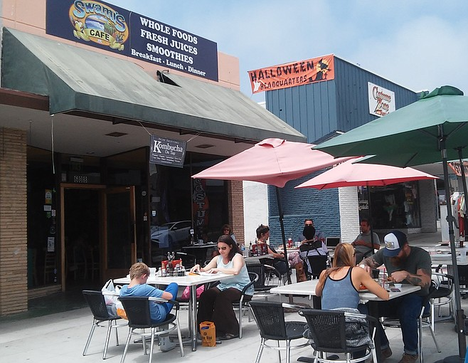 Swami's Café sidewalk seating