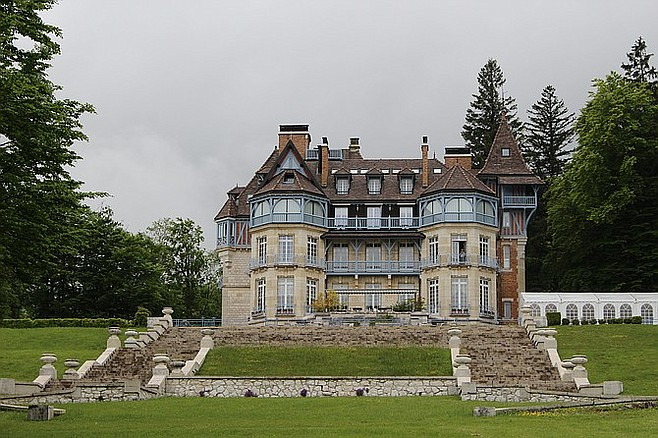 The Cruseilles manor built by American Mary Wallace Schillito is now a hotel, Domaine des Avenières.
