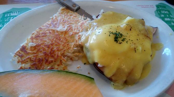 Original Eggs Benedict with hollandaise sauce