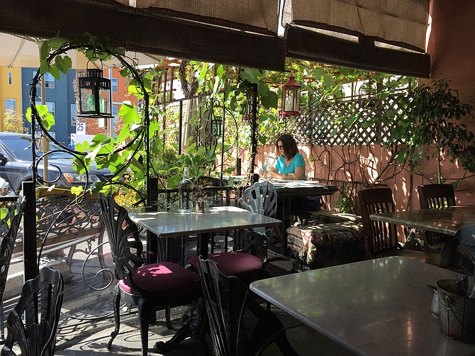 Patio at Café 21 in University Heights