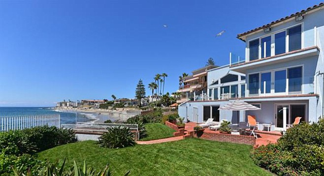 Overlooking the bow on the barber tract san diego reader for Living room la jolla
