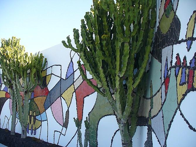 Mural at the artist's former residence, now Fundación César Manrique.