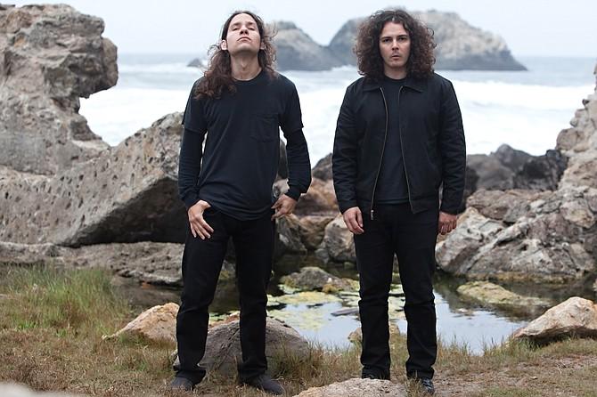 Doom-metal duo Black Cobra hits the Hideout in humpnight!