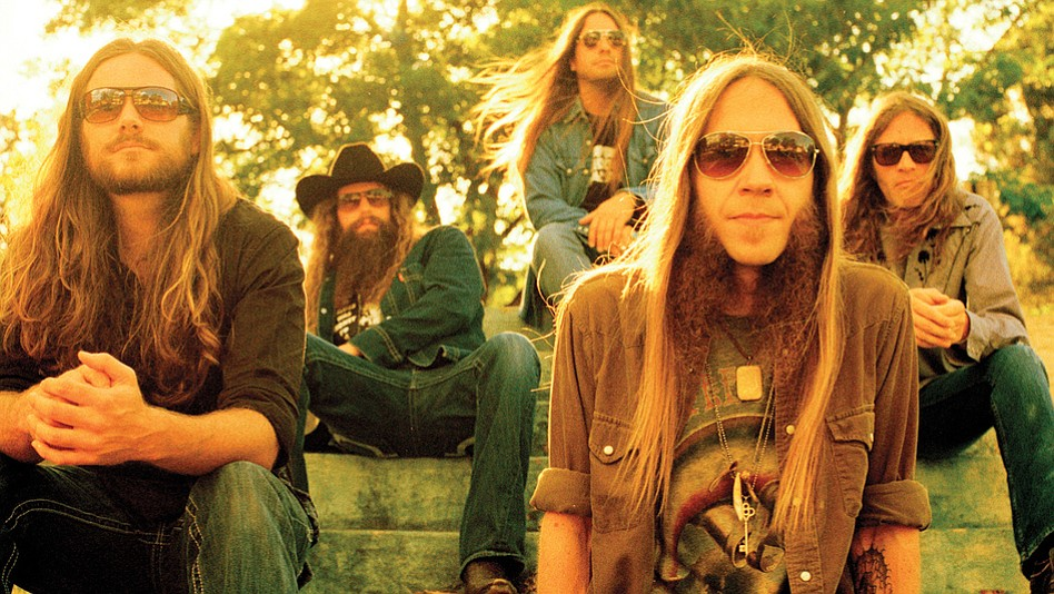 Southern-rock Atlanta band Blackberry Smoke set the stage for ZZ Top at Humphreys by the Bay Sunday night.