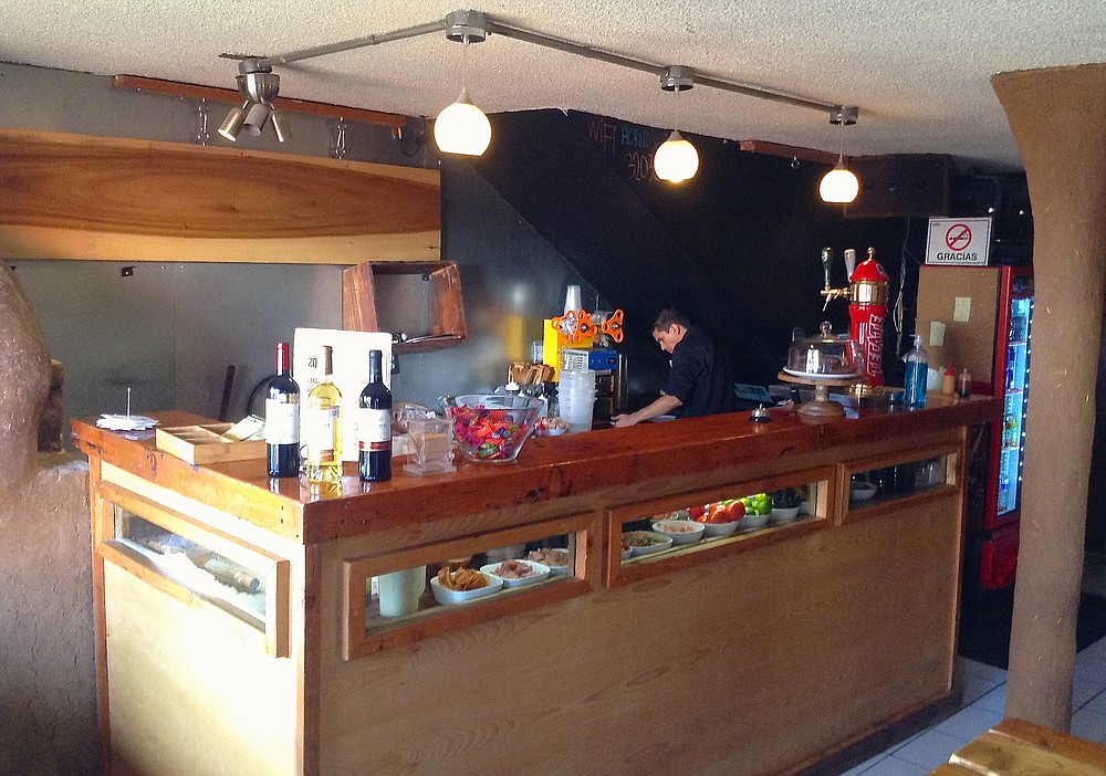 A view of the inside and the kitchen (fresh ingredients inside the counter)