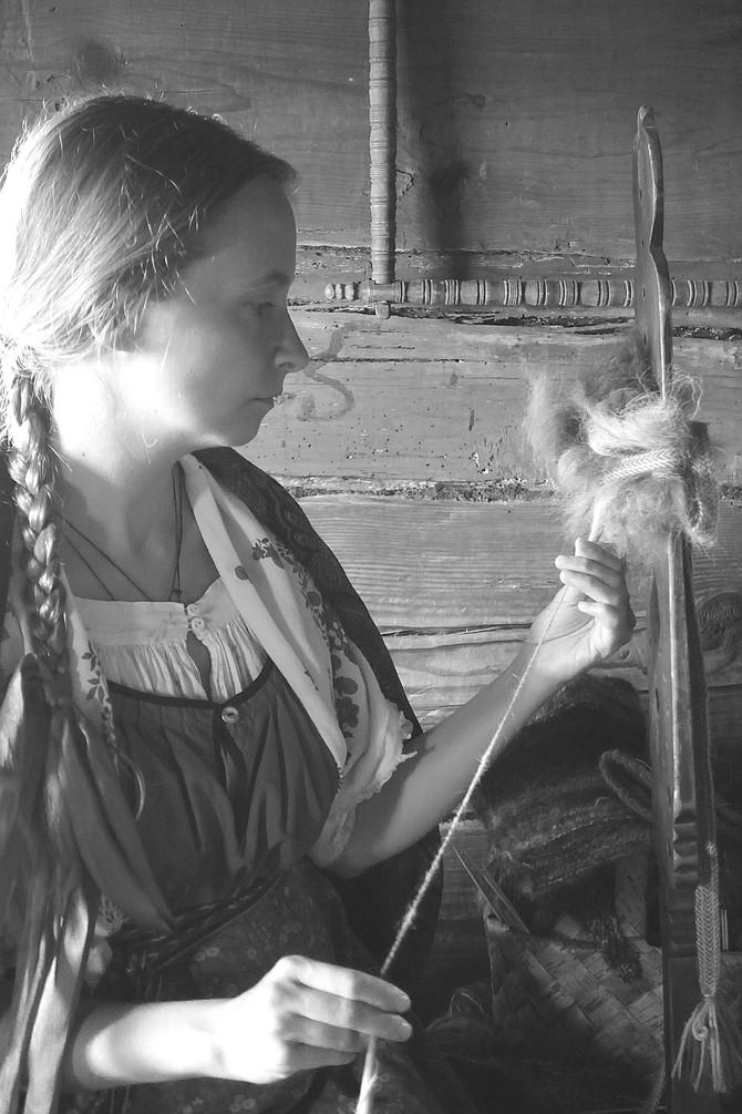 Demonstration on making yarn