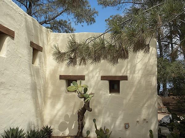 Torrey Pines Lodge