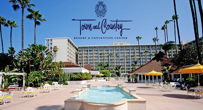 Town and Country's Grand Plaza