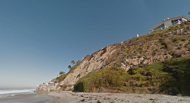 """Beach replenishment is futile,"" says retired marine biologist Dennis Lees. (Beacon's Beach)"
