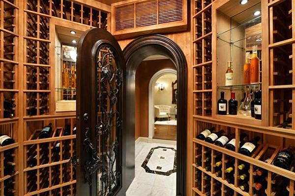 Storage for 1500 bottles