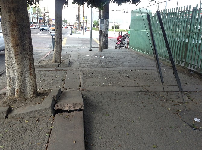 Say goodbye to old TJ:  most other streets and sidewalks around this corner of 4th and Madero seem to be new.