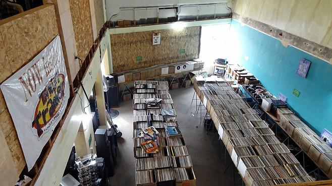 Interior of Thrift Trader
