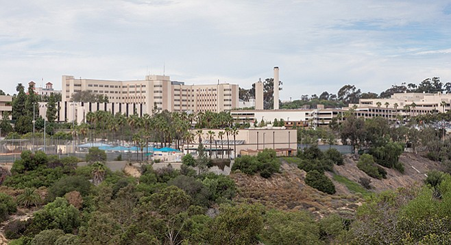 Navy Medical Center San Diego - Image by Andy Boyd