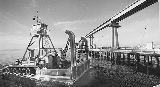 A low-draft tug