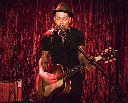 Swamp-rock singer/songwriter Diablo Dimes splits a bill with Ypsitucky at Bar Pink Saturday night.