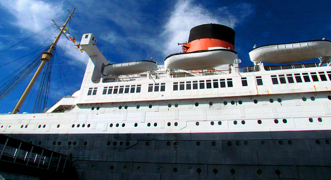 The iconic 1936 British ocean liner in the California sunshine.