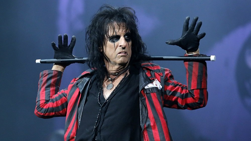 Alice Cooper co-headlines a hard-rocker with Mötley Crüe at Viejas Arena Sunday night.