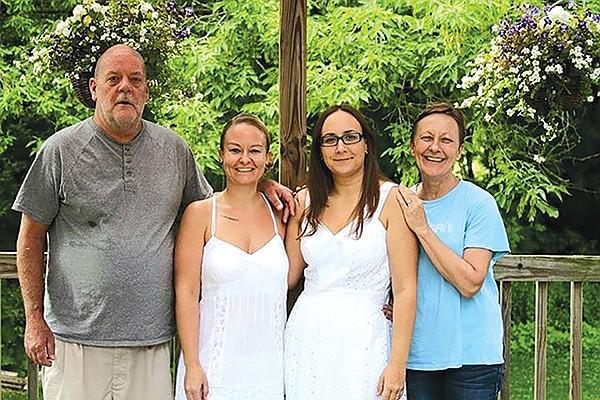 Stepdad Dave, Lindsay, her wife Nikki, and mom Rhonda